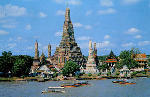 This is Why Chao Phraya River Express Boat Is So Famous!