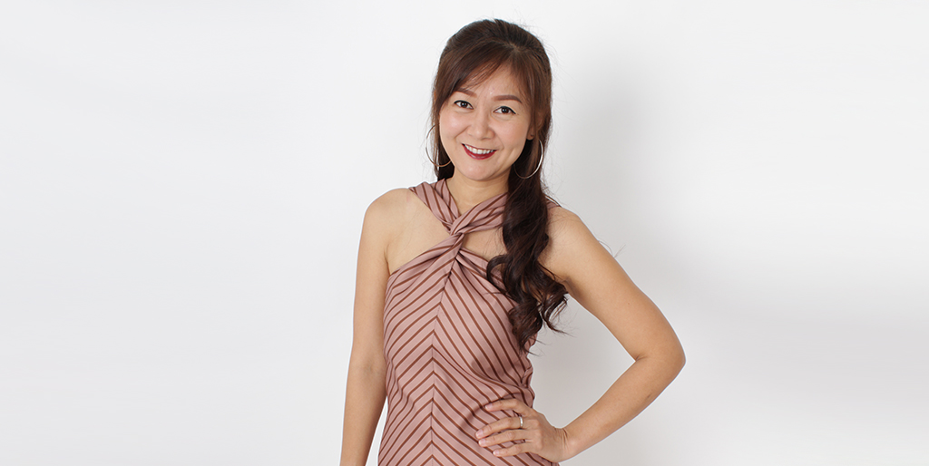 "Thai Dating: Meet Cheerful Thai Lady ""Nook"""
