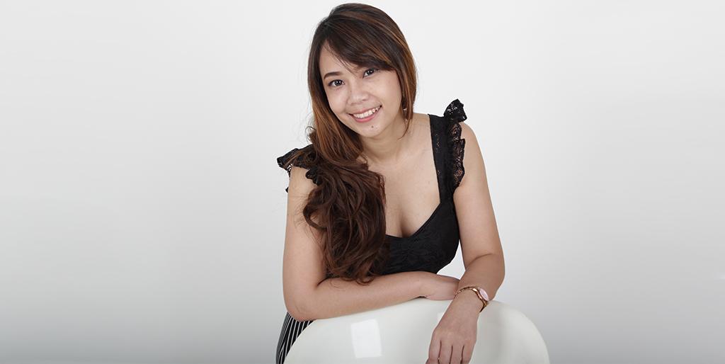 "Asian Singles: Meet Pretty Thai Lady ""Mimi"""