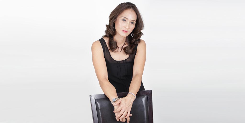 """Thai Matchmaking: Meet Energetic Thai Lady """"King"""""""