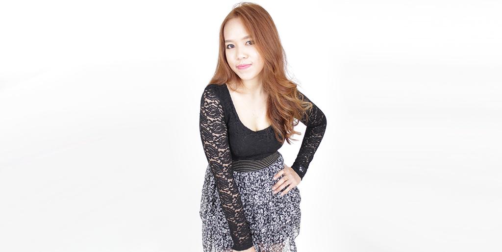 """Online Dating: Meet Lovely Thai Lady """"Nana"""""""