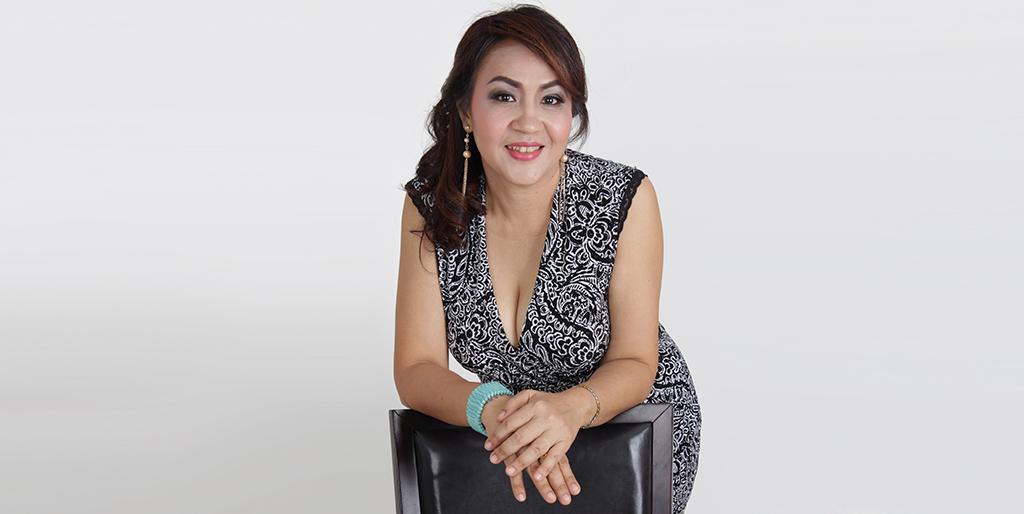 "Asian Singles Dating: Meet Amazing Thai Lady ""Ni"""