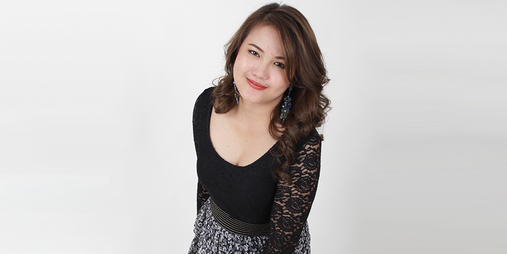 "Asian Singles Dating: Meet Confident Thai Lady ""Nic"""