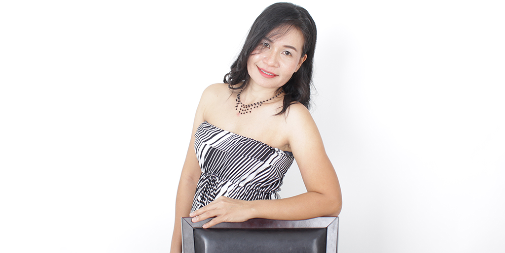 "Thailand Dating: Meet Charming Thai Lady ""Na"""