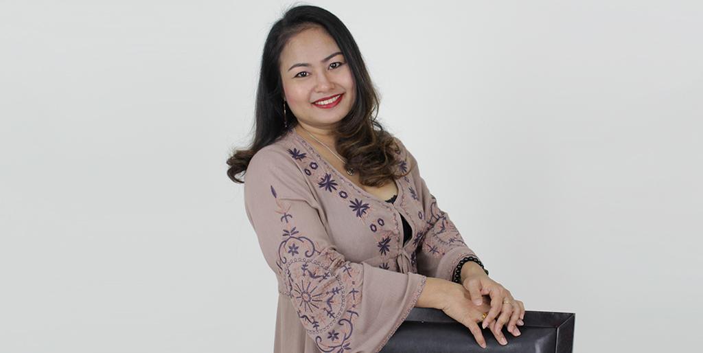 "Asian Singles: Meet Cheerful Thai Lady ""Piyachat"""