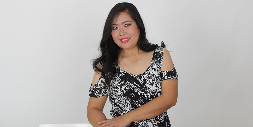 """Online Dating: Meet Lovely Thai Lady """"Boom"""""""