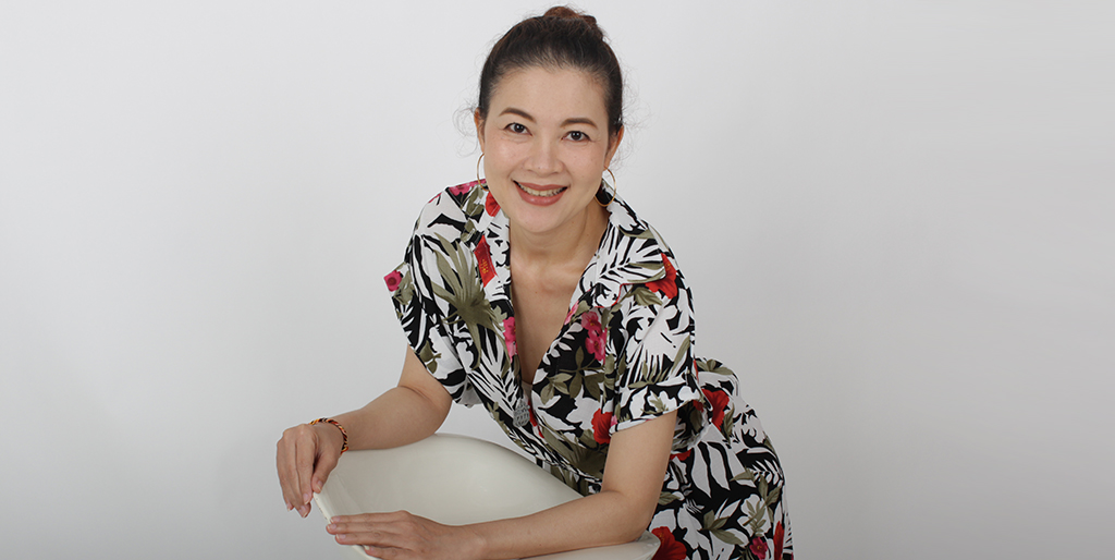 """Thailand Dating: Meet Sophisticated Thai Lady """"Aoom"""""""