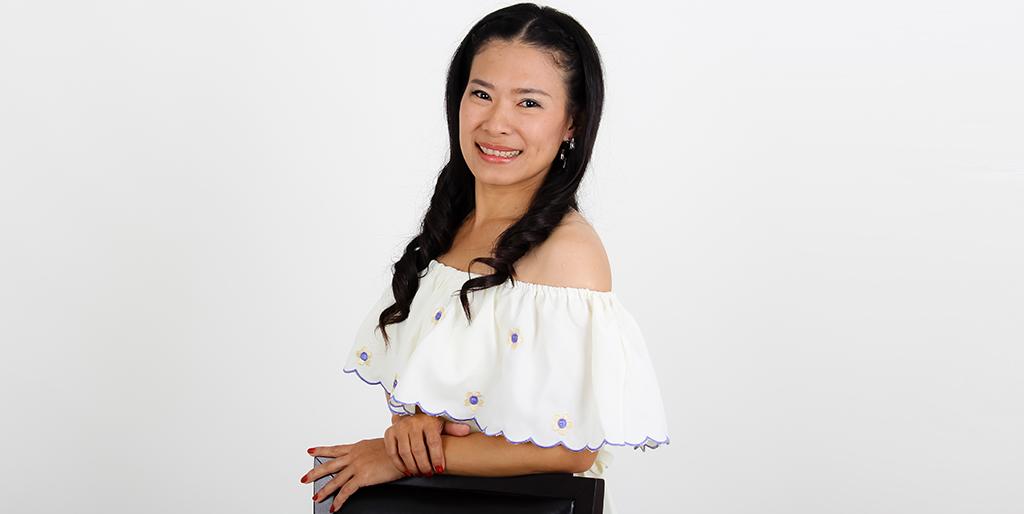 "Online Dating: Meet Beautiful Thai Lady ""Joy"""