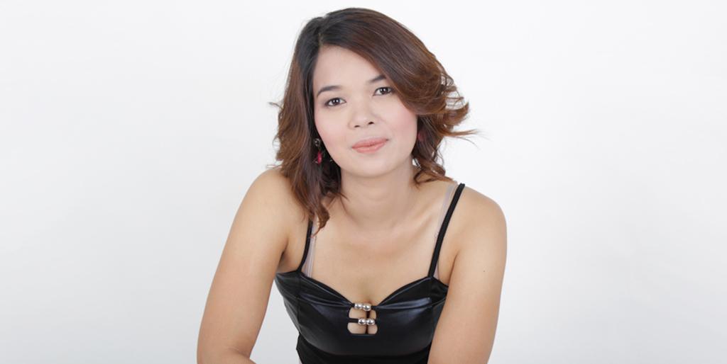 "Thai Dating Online: Meet Romantic Thai Lady ""Mon"""