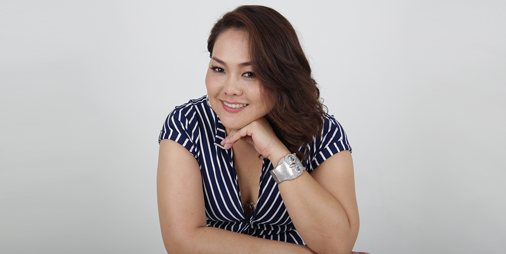 "Asian Singles: Meet Wonderful Thai Lady ""Rain"""