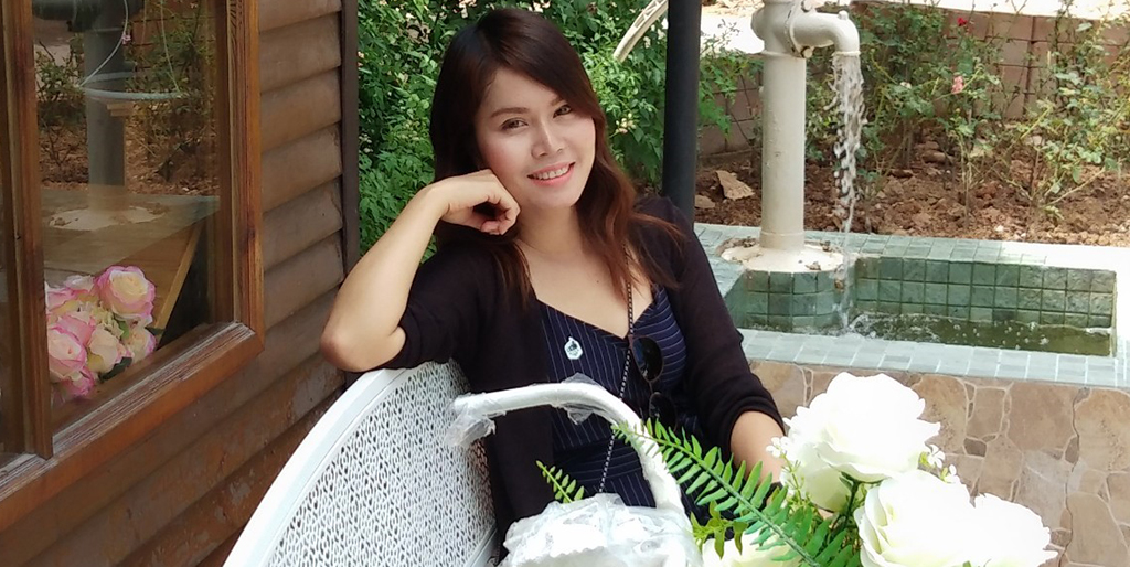 "Online Dating: Meet Beautiful Thai Lady ""Dao"""