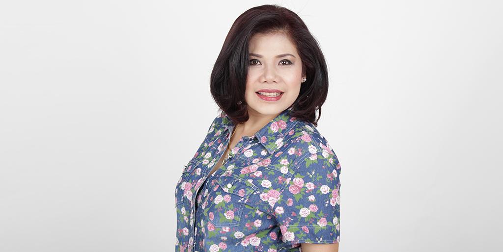 "Asian Online Dating: Meet Beautiful Thai Lady ""Tammy"""