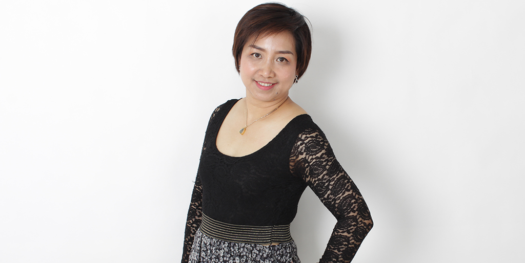 "Asian Online Dating: Meet Amiable Thai Lady ""Pla"""
