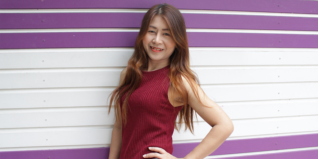 "Thai Singles: Meet Cheerful Thai Lady ""Atom"""