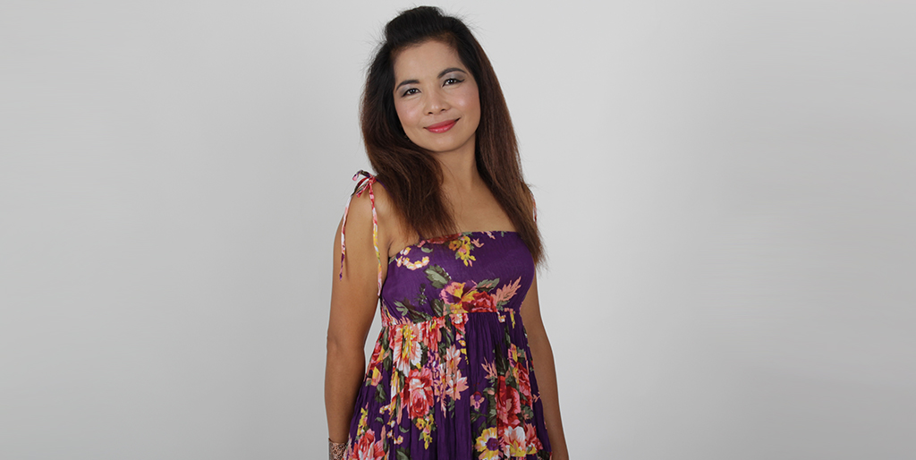 "Thai Matchmaking: Meet Energetic Thai Lady ""Som"""