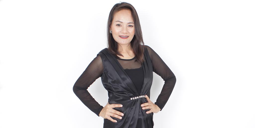 """Online Dating: Meet An Active Thai Lady """"Jum"""""""