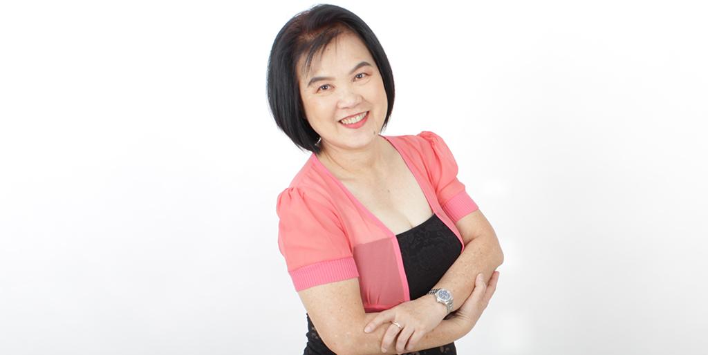 """Thai Matchmaking: Meet Amiable Thai Lady """"Pook"""""""