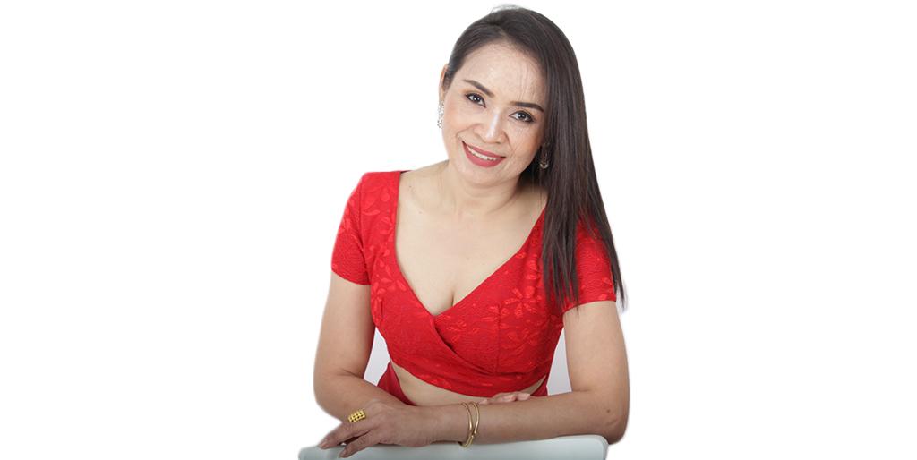 """Thailand Dating: Meet Gorgeous Thai Lady """"Praew"""""""