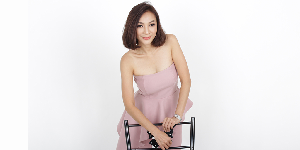"Asian Online Dating: Meet Stunning Thai Lady ""Lin"""
