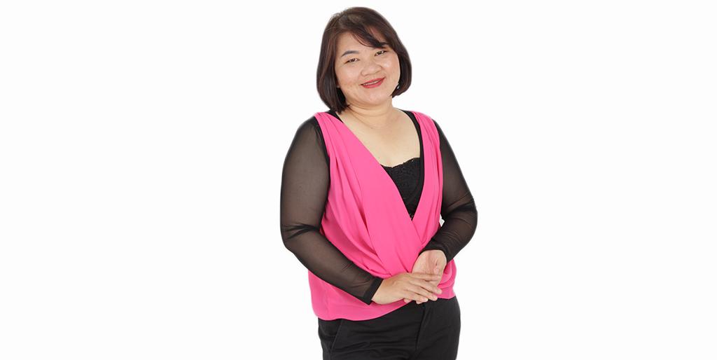"""Online Dating: Meet Wonderful Thai Lady """"Meena"""""""